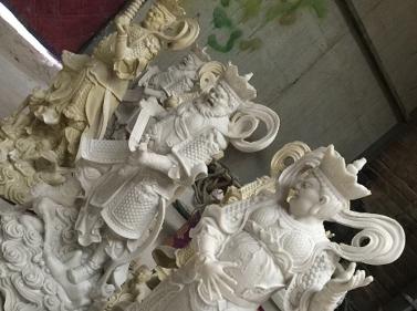 四大天王泡沫雕塑